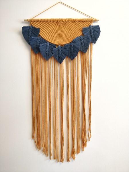 Makramee-Wandbehang Talia 80 cm mango-jeansblau